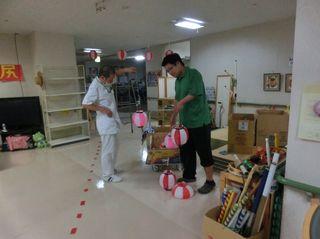 2016_デイケア納涼祭準備_04.jpg